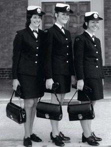 168104-policewoman-amp-039-s-handbag-1972