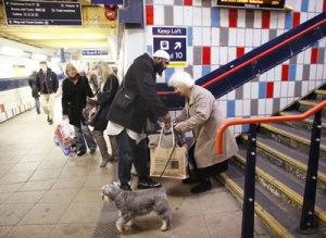 Muslim-Helper-In-London-Underground